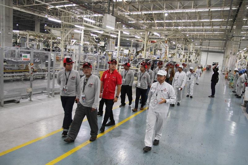 Mitsubishi Ajak Jurnalis, Blogger dan Komunitas Berkunjung ke Pabrik Kendaraannya di Indonesia