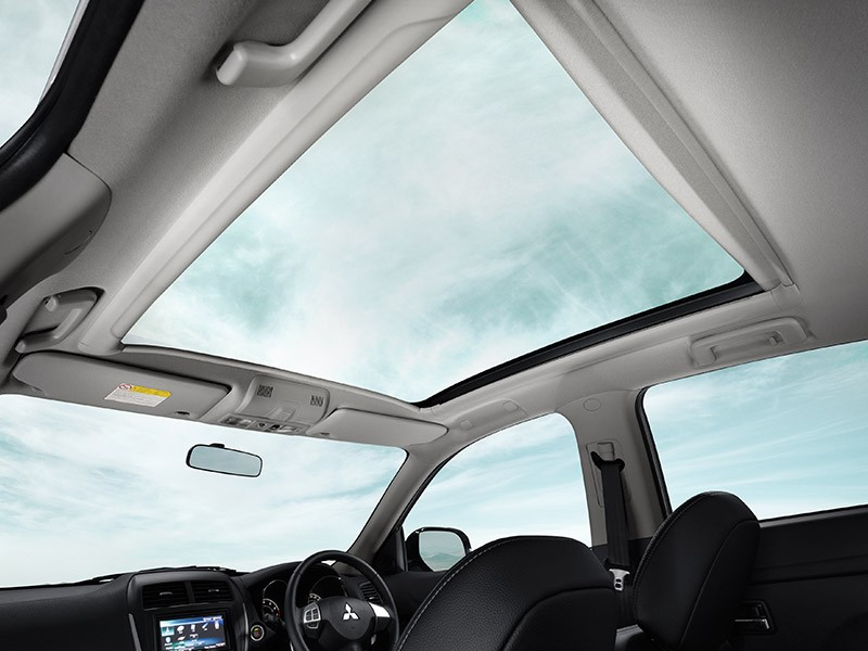 Panoramic glass roof sensation